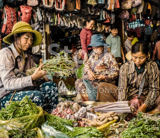 stock-photo-89337951-old-market-siem-reap-cambodia
