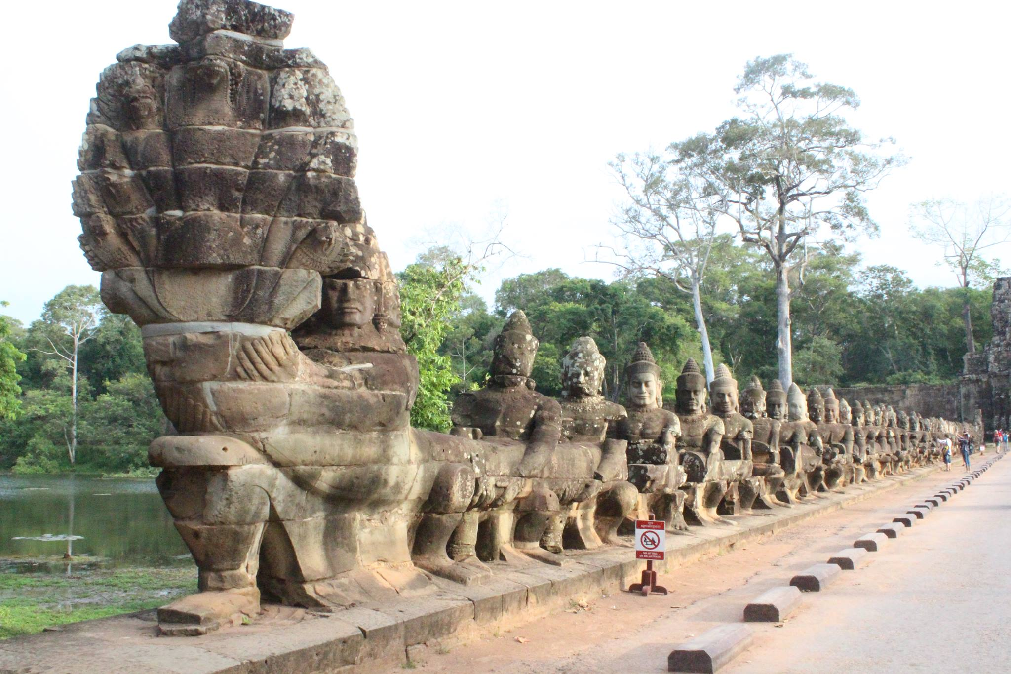 Green Cultural Travel - Cambodia - Siem Reap - Bridge with statues