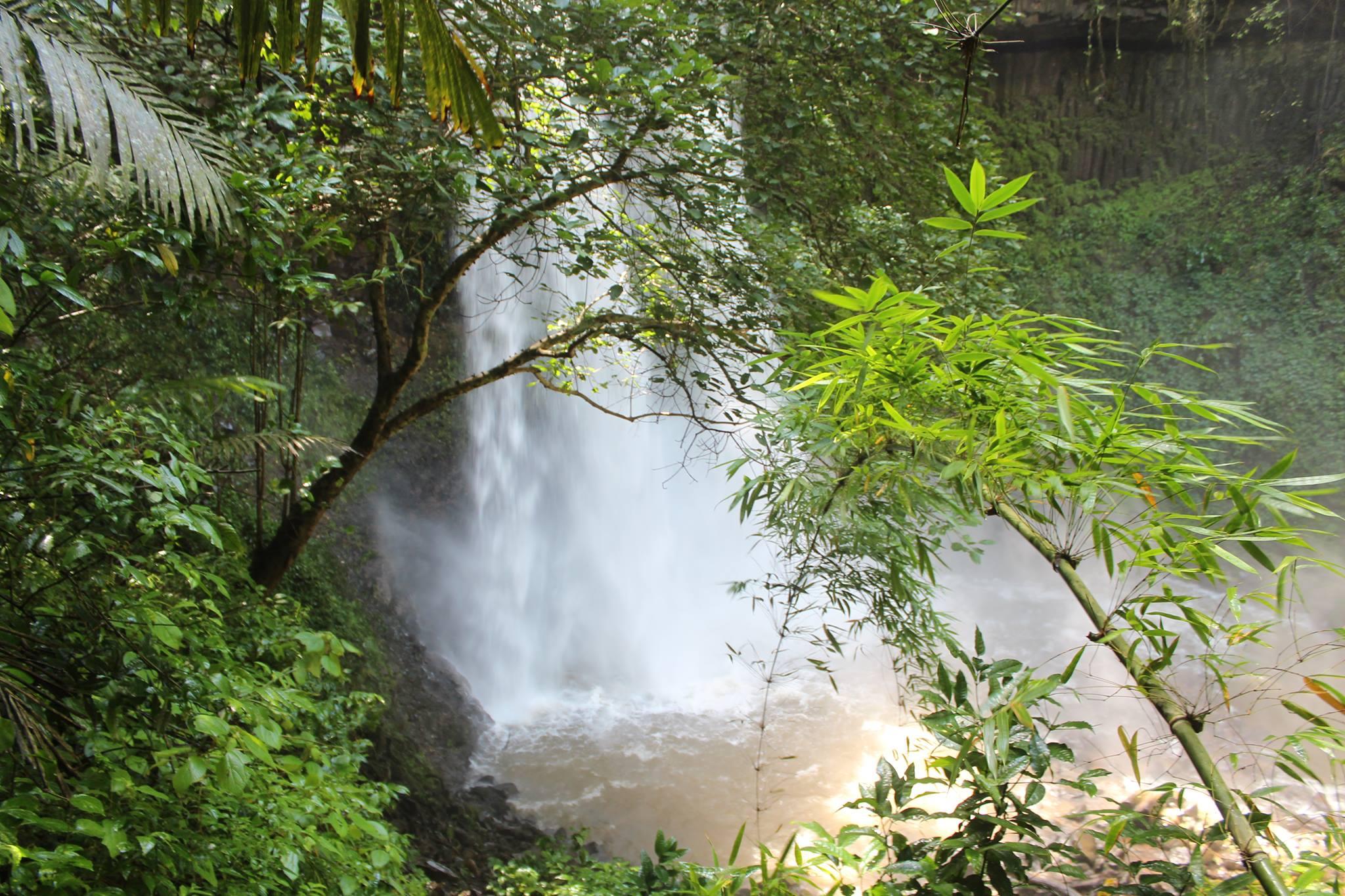 Green Cultural Travel - Cambodia - Mondulkiri - Waterfall in the jungle