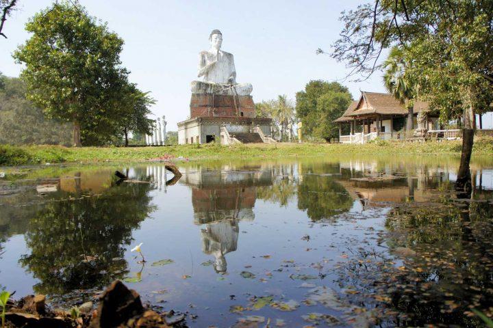 Green Cultural Travel - Cambodia - Battambang - Wat Ek - Giant Buddha