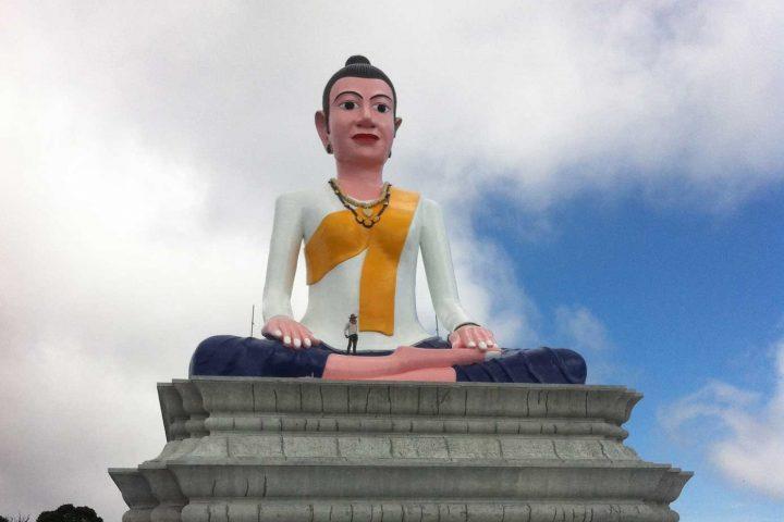 Green Cultural Travel - Cambodia - Kampot - Bokor - Statue