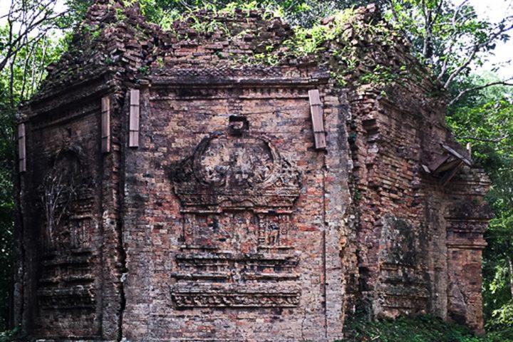 Green Cultural Travel - Cambodia -Sambor Prei Kuk