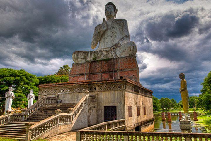 Green Cultural Travel - Cambodia wat-ek-phnom-battambang