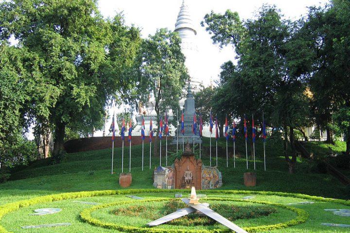 Green Cultural Travel - Cambodia - Phnom Penh -Wat Phnom