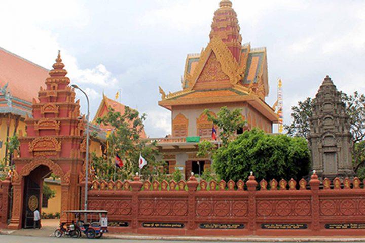 Green Cultural Travel - Cambodia - Phnom Penh -Wat Ounalom